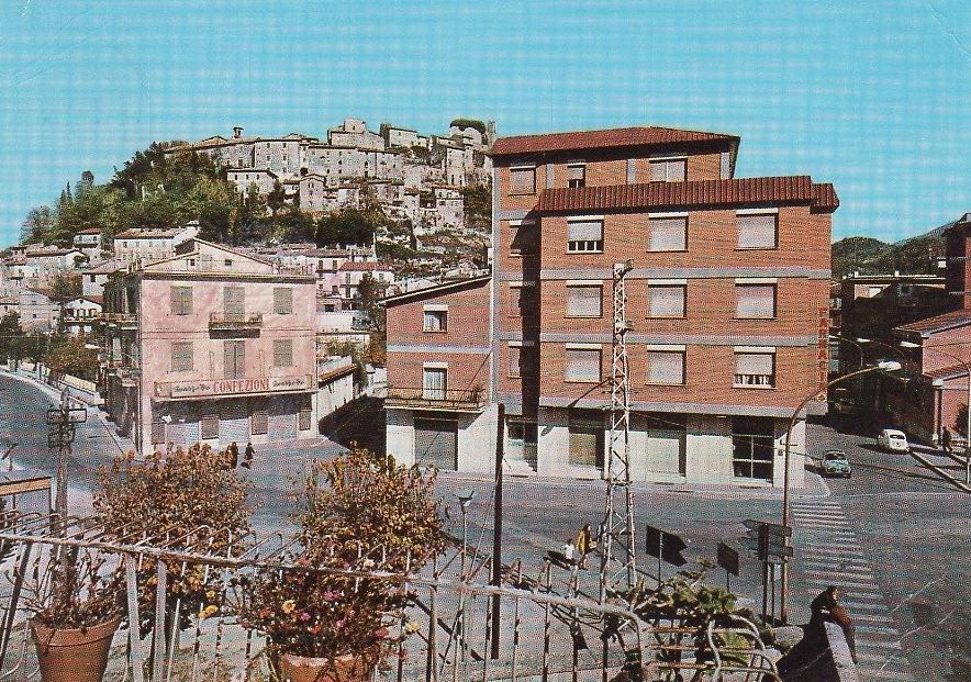Carsoli nel tempo, arriva l'epoca della ripresa economica con la nuova Farmacia in piazza Marconi